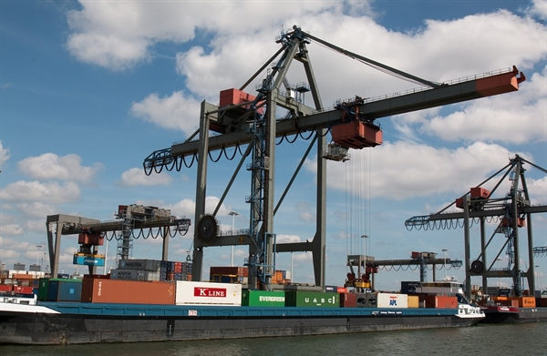 Rotterdam Port Launches Scheme Supporting Climate-Friendly Shipping