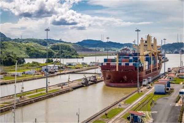 Panama Canal to Become Carbon Neutral by 2030